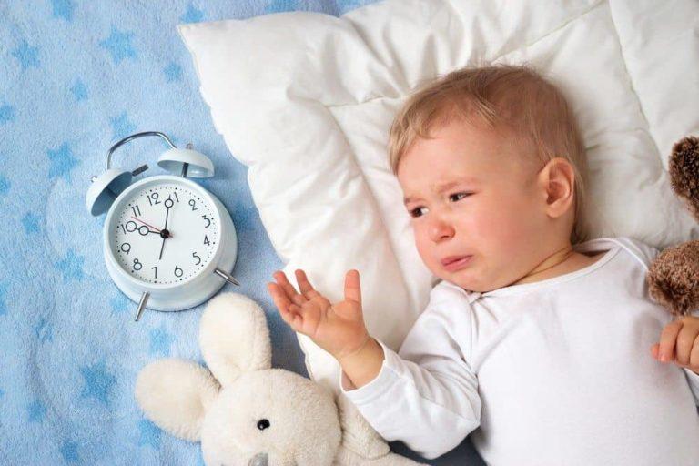 Das-baby-will-nicht-einschlafen-was-tun - Schlaftastic